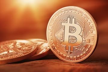 Apple Pay Vs. Bitcoin