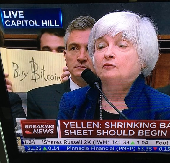 even the fed believes in bitcoin crush the street crush the street
