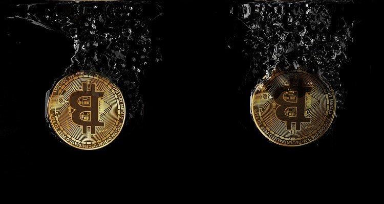 Bitcoin Price Falling on No News Raises Suspicion