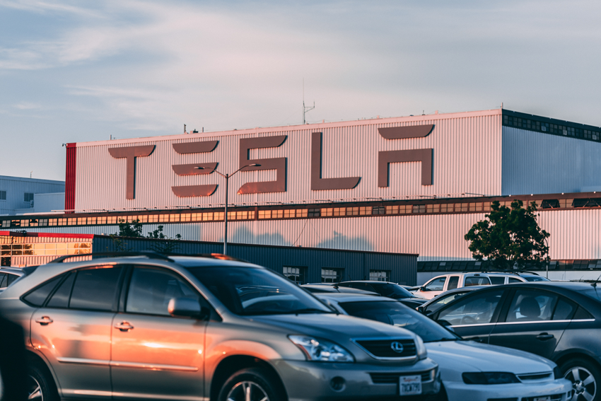 Seventh Sign of the Apocalypse: Tesla and the Market Top